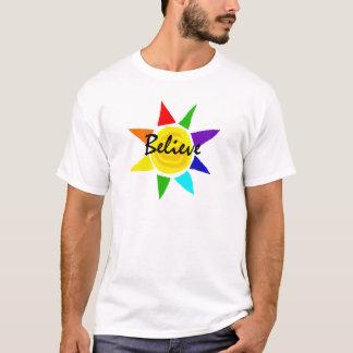 O arco-íris inspirado Sun acredita a arte Camiseta