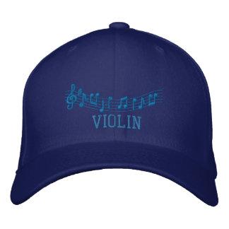 O azul bordou o boné do violino