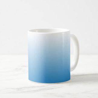 O azul desvaneceu-se caneca de café