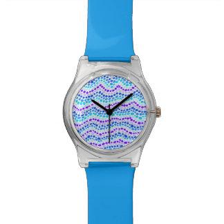 O azul pontilha o relógio de May28th