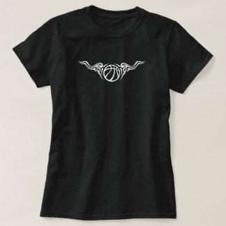 O basquetebol Scrolly voa o t-shirt escuro das Camiseta