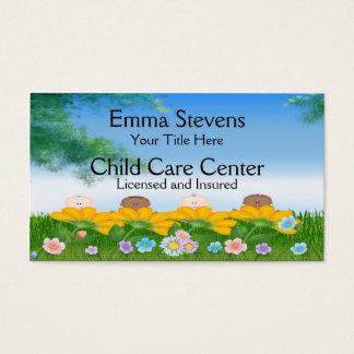 O bebê da puericultura floresce o modelo de cartão