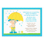 O bebê do guarda-chuva polvilha o azul do chá para convite personalizados