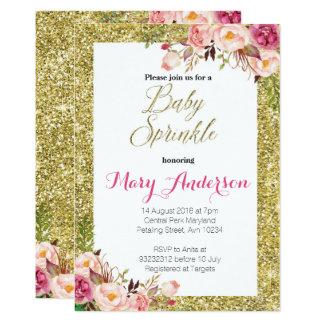 O bebê floral do ouro polvilha o cartão do convite
