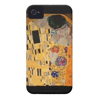 O beijo no fundo preto capinha iPhone 4