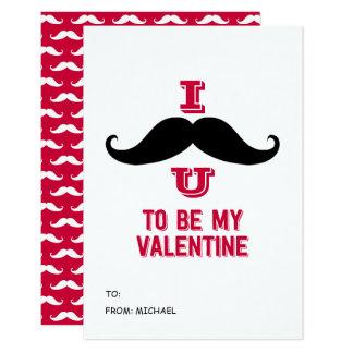 O bigode caçoa o cartão dos namorados da sala de