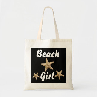 O bolsa da estrela do mar da menina da praia