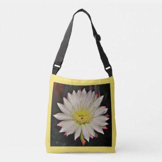 O bolsa das mulheres brancas e amarelas da flor do