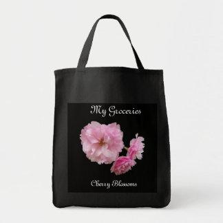O bolsa do mantimento da flor de cerejeira
