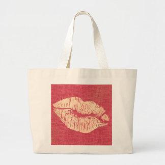 O bolsa enorme dos lábios