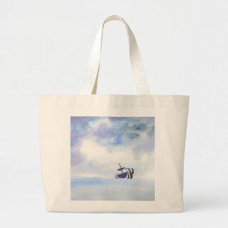 O bolsa enorme jogado pela tempestade