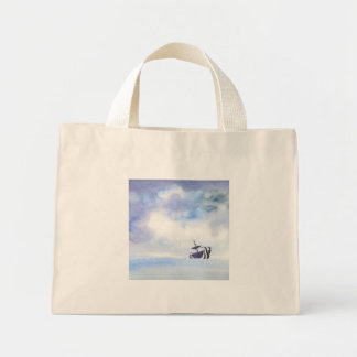 O bolsa minúsculo jogado pela tempestade