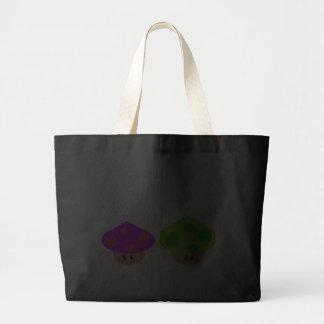 O bolsa pequeno feliz do jumbo dos cogumelos