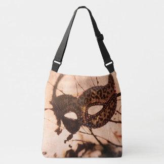 O bolsa transversal do corpo do mascarada