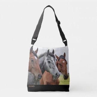 O bolsa transversal do corpo dos cavalos