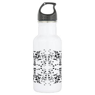 O branco dá forma à garrafa de água