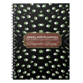 O branco verde da chita pontilha o caderno moderno