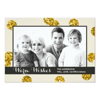 O brilho do ouro pontilha o cartão com fotos do convite 12.7 x 17.78cm