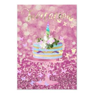 O brilho do partido do unicórnio do bolo chicoteia convite 8.89 x 12.7cm