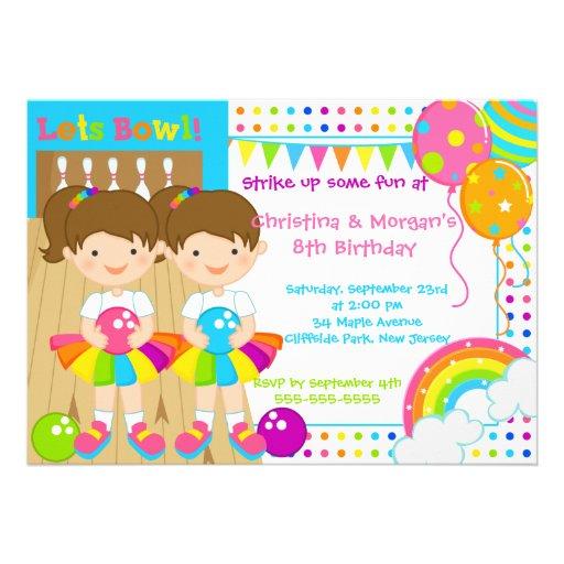 O Brunette junta a festa de aniversário da boliche Convite Personalizado