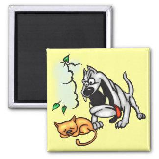 O buldogue encontra o gato imãs de geladeira