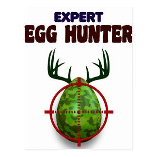 O caçador perito da páscoa, cervo do ovo visa o cartão postal