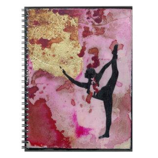 O caderno original da foto da menina da ioga