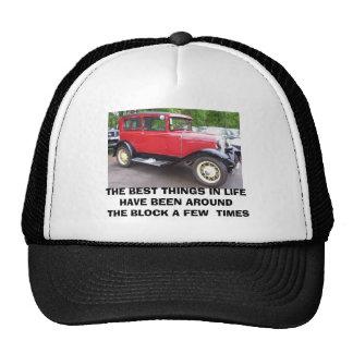 O carro antigo, as MELHORES COISAS NA VIDA FOI… Boné