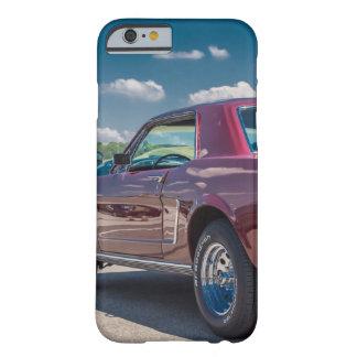 O carro ostenta o metal vermelho das engrenagens capa barely there para iPhone 6