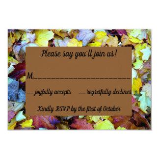 O cartão de RSVP para a queda sae da coleção