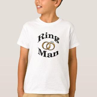 O casamento do homem do anel caçoa a camisa