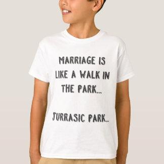 O casamento é como uma caminhada no parque. Parque Camiseta