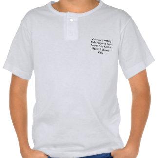 O casamento feito sob encomenda caçoa o T do T-shirt