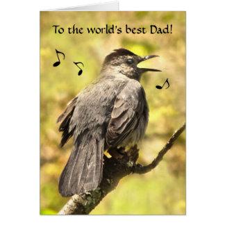 O Catbird cinzento canta um cartão do dia dos pais