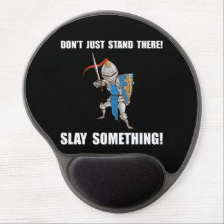 O cavaleiro massacra algo desenhos animados mouse pad de gel