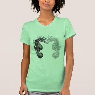 o cavalo marinho t da mulher camisetas