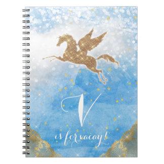 O céu azul do ouro do brilho do unicórnio nubla-se caderno espiral