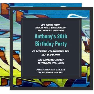 O céu dos grafites rotula o convite do aniversário