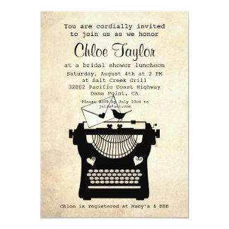 O chá de panela romântico da máquina de escrever convite 12.7 x 17.78cm