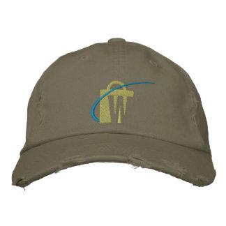 O chapéu verde-oliva bordado o mais grande de tipo boné bordado