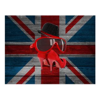 O chapéu vermelho da forma legal calça a bandeira  cartão postal