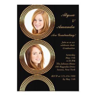O círculo dourado molda o convite da foto
