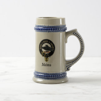 O clã de Akins Crest & a caneca de cerveja