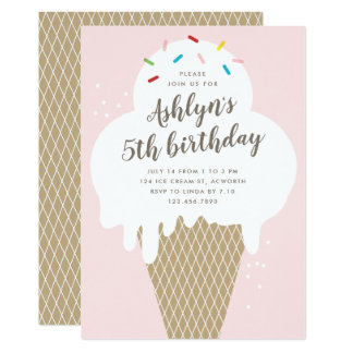 O cone do sorvete caçoa o convite de aniversário