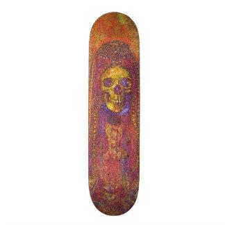 O conselho de esqueleto gótico decorativo do skate