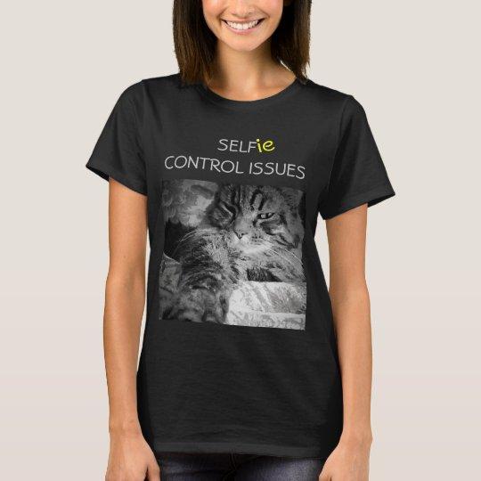 O controle de auto de Selfie emite o gato Camiseta