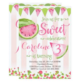 O convite de aniversário cor-de-rosa da melancia
