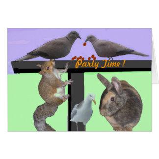 O convite de festas dos animais dos pássaros carda cartão comemorativo