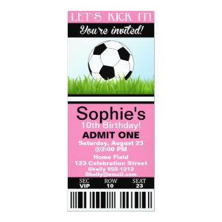 O convite do aniversário do bilhete do futebol da
