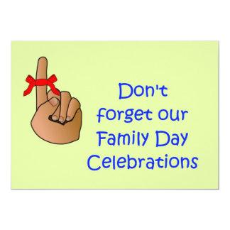 O convite do dia da família com não esquece a fita convite 12.7 x 17.78cm